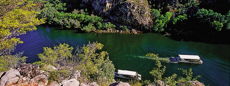 Katherine Gorge cruises and canoe hire on the the Katherine Gorge in Nitmiluk National Park around 350 klm from Darwin Australia